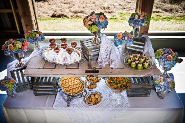Hors d'oevres served on a door in the wedding barn venue near Knoxville TN