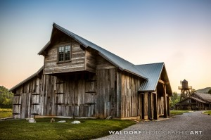 Smoky-Mountain-Barn-Wedding